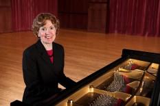 Lauren Schack Clark (piano) - photo